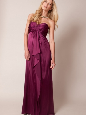Seraphine maternity evening gown in Magenta