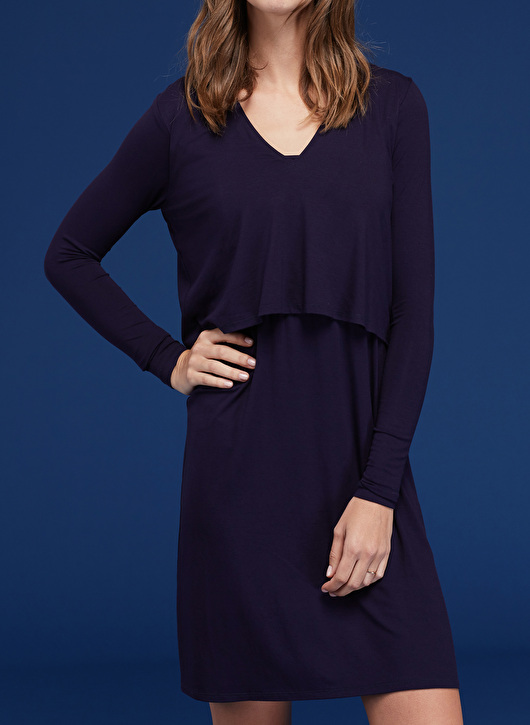 Isabella Oliver comfortable nursing dress with long sleeves and v-neck