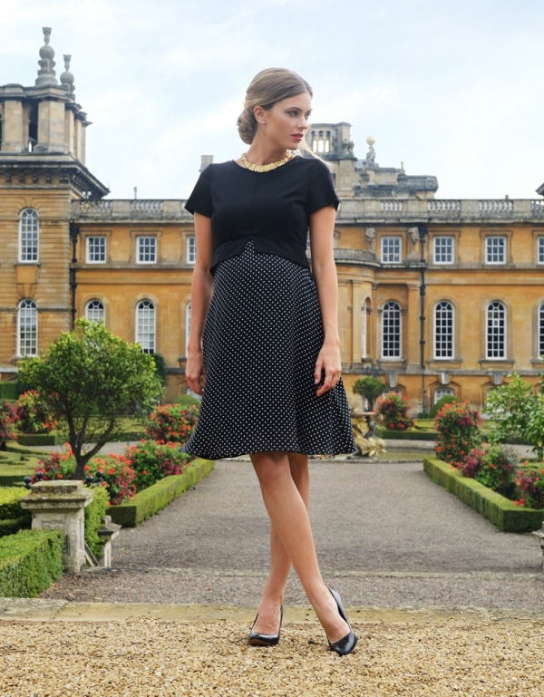 the perfect special occasion dress for moms-to-be and breastfeeding mothers